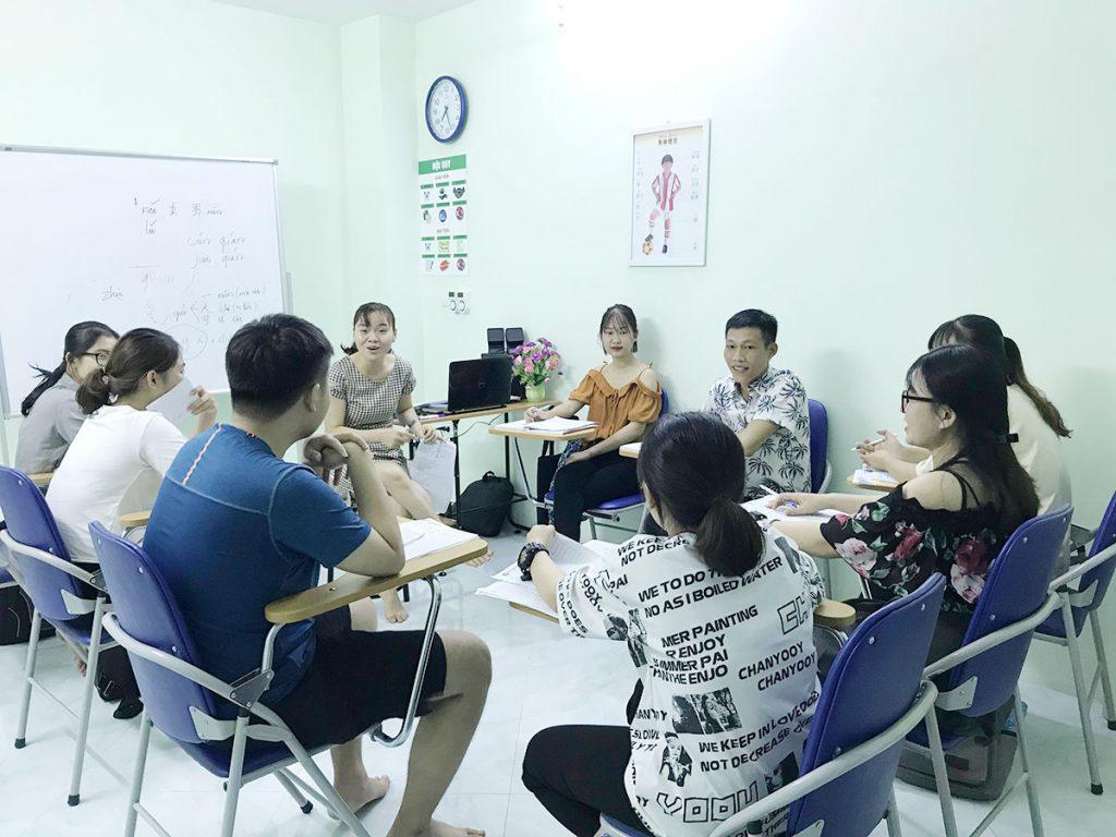 Hình ảnh trong lớp học tiếng Trung của các bạn học viên